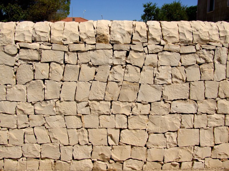 Dry Stone Walls in Sicily and Malta
